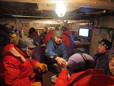 南極日記-バーの写真